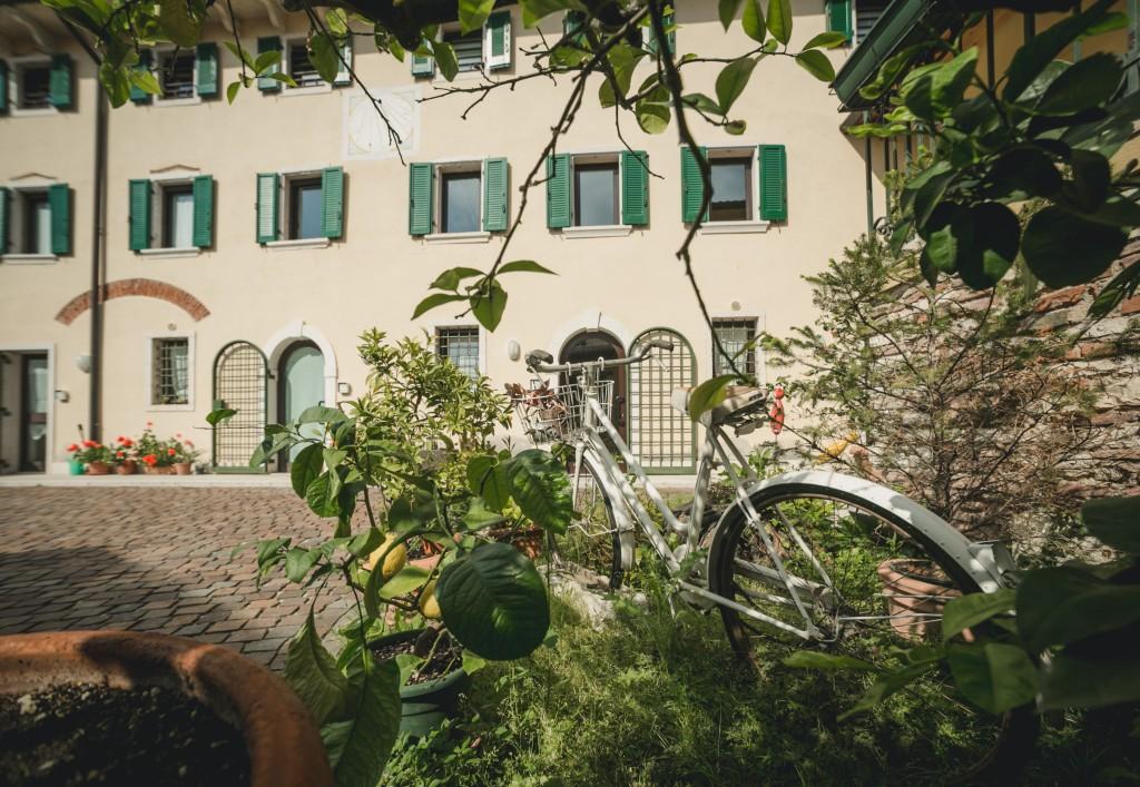 A Casa di Tom B&B Valpolicella Verona - cortile ingresso